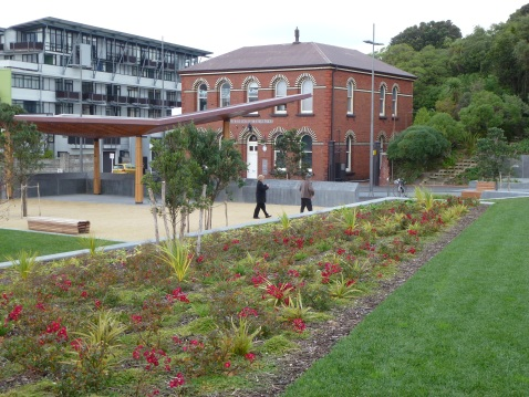 The pavilion at the Taranaki Street gateway.